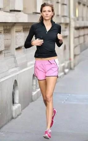 Karlie Kloss Height Weight Bra Size