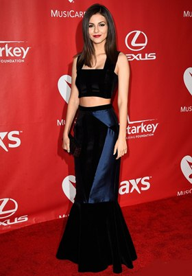 Victoria Justice Height Body Shape