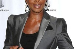 Mary J. Blige Body Measurements Height Weight Bra Size Vital Stats Bio