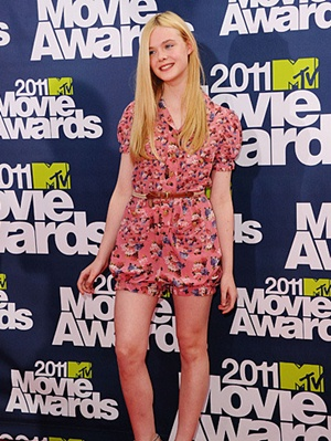 Elle Fanning Height Body Shape