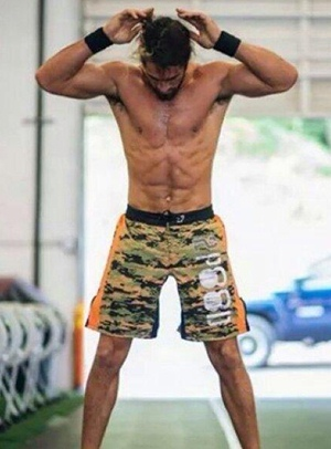 Seth Rollins Height Body Shape