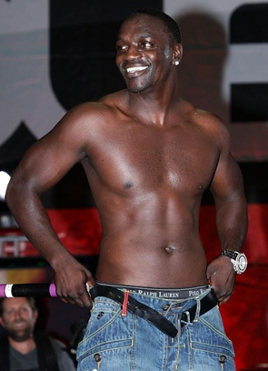 Akon Body Measurements Height Weight Shoe Biceps Size