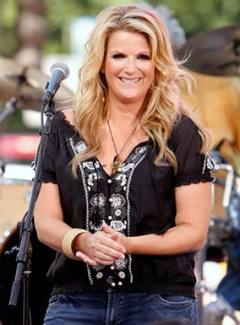 Trisha Yearwood Body Measurements Bra Size Height Weight