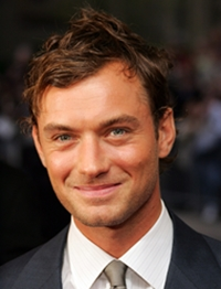 Jude Law Body Measurements Height Weight Shoe Size Vital Stats Bio