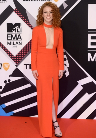Jess Glynne Height Weight Body Shape