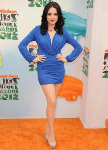 Elizabeth Gillies Height Weight Body Figure Shape
