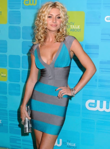 Aly Michalka Body Measurements Bra Size
