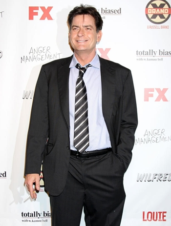 Charlie Sheen Body Measurements Height Weight