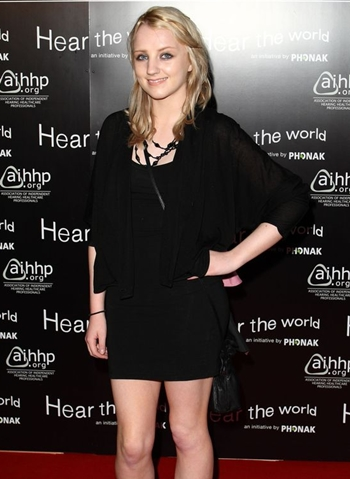 Evanna Lynch Height Weight Body Shape