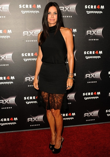 Courteney Cox Height Weight Body Shape