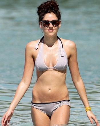 Eliza Doolittle Height Weight Body Measurements Bra Size