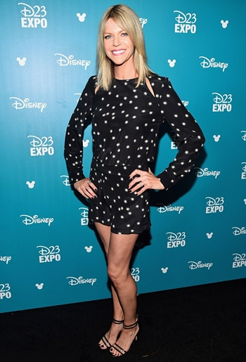 Kaitlin Olson Height Weight Body Shape