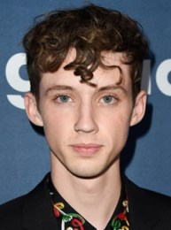 Troye Sivan Height Weight Body Measurements Shoe Size Ethnicity Facts
