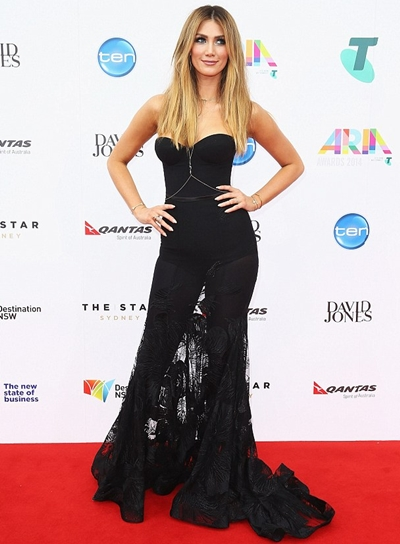 Delta Goodrem Height Weight Body Shape