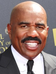 Steve Harvey Height Weight Body Measurements Shoe Size Age Ethnicity