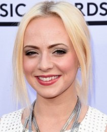 Madilyn Bailey Measurements Height Weight Bra Size Age Body Facts Family