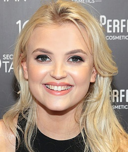 Lucy Fallon Measurements Height Weight Age Bra Size Body Facts Family