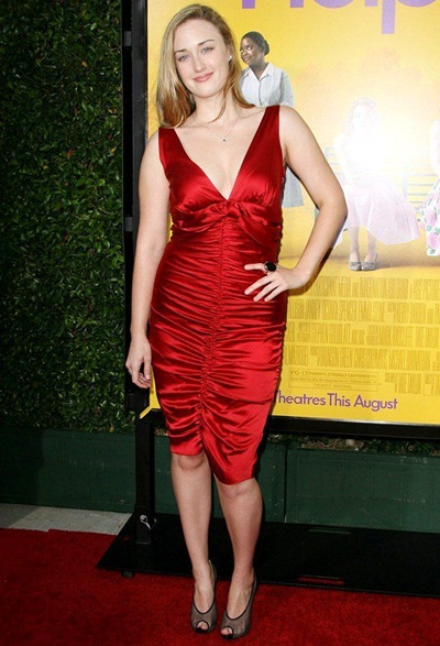 Ashley Johnson Height Weight Body Shape