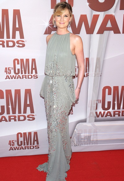 Jennifer Nettles Height Weight Bra Size