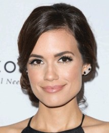 Torrey DeVitto Body Measurements Height Weight Bra Size Family Facts