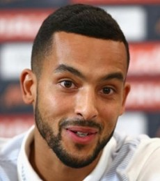 Theo Walcott Body Measurements Height Weight Shoe Size Stats Facts