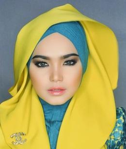 Singer Siti Nurhaliza