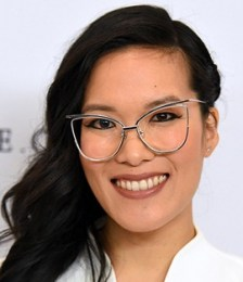 Ali Wong Height Weight Bra Size Body Measurements Age Stats Facts Family Bio