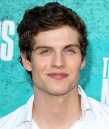 Daniel Sharman Height Weight Body Measurements Age Stat Facts Family