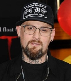 Benji Madden Body Measurements Height Weight Shoe Size Age Facts
