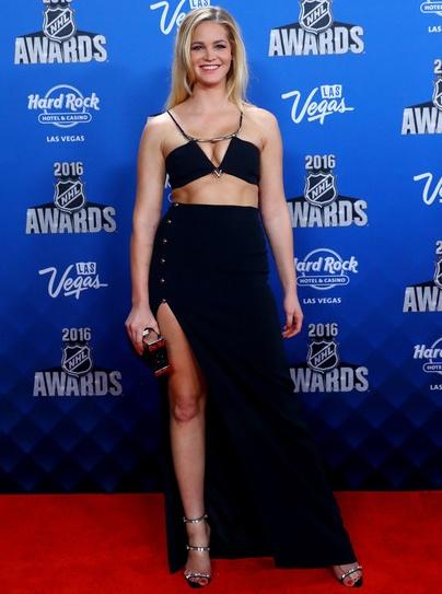 Erin Heatherton Height Weight Bra Size