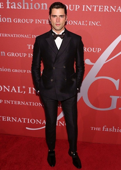 Sean O'Pry Height Weight Shoe Size