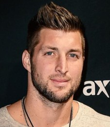 Tim Tebow Height Weight Body Measurements Shoe Size Age Facts