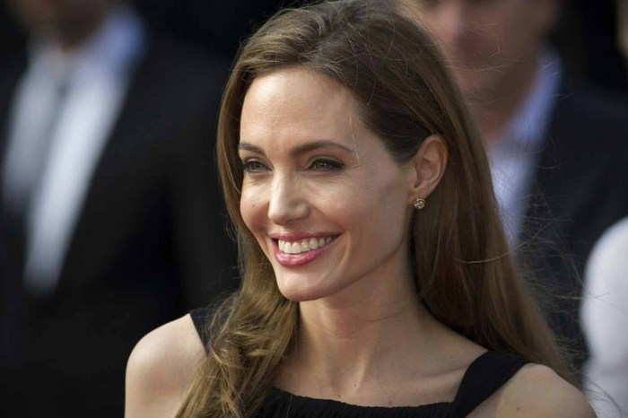 Angelina Jolie Is Finally Able To Move On After Brad Pitt Divorce Thanks To This Controversial Man