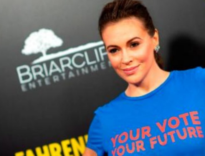 breaking daily hot news - Alyssa Milano, Nancy Sinatra Call Out President Trump For Being Silent During the War On Women