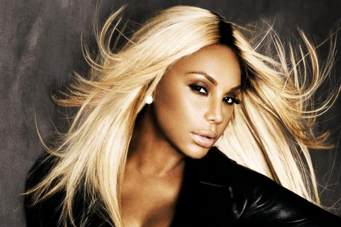 Tamar Braxton Flaunts Her Beach Body And Fans Are Going Crazy Over Her Curves
