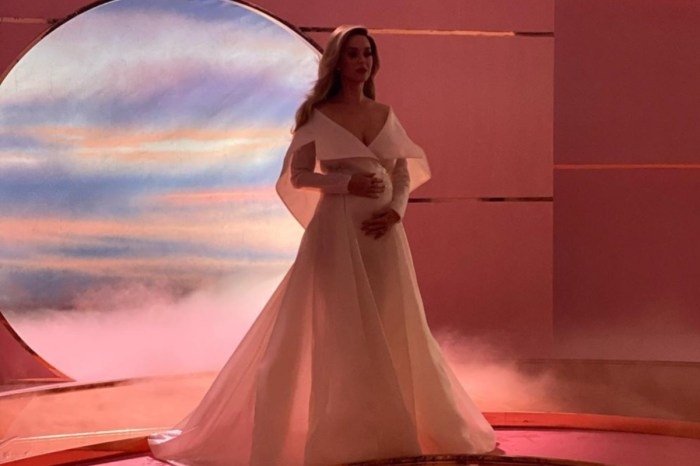 Katy Perry Wore Alexis Mabille In What May Be The Best Pregnancy Reveal Of All Time
