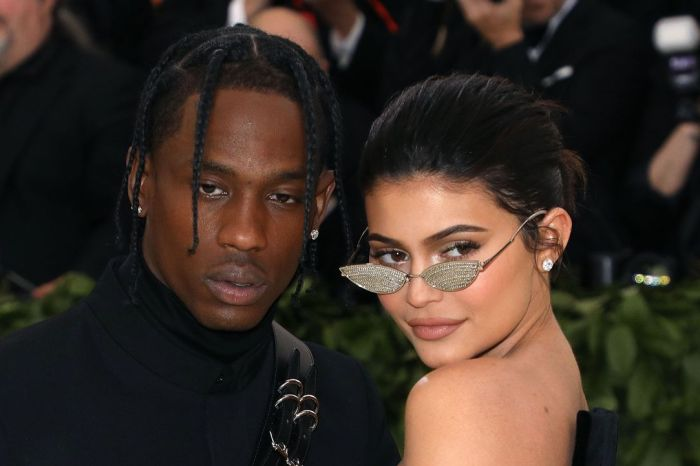 KUWK: Kylie Jenner And Travis Scott Back Together? - The Truth!