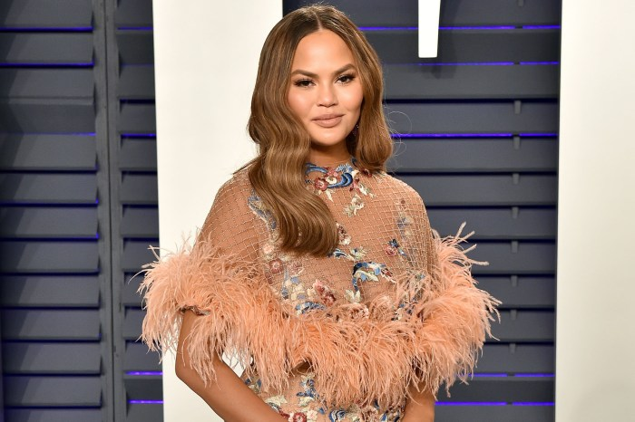 Chrissy Teigen Says She 'Finally Giggled' The First Time Since The Miscarriage Reading This Funny Post!
