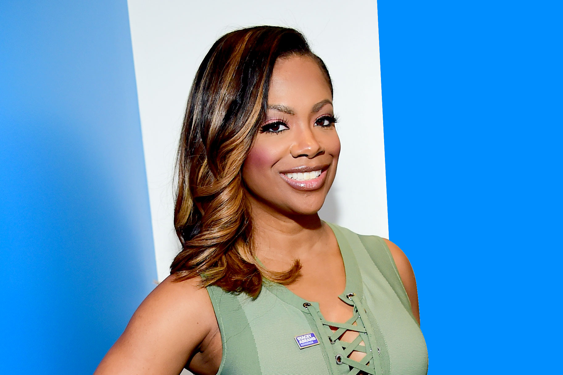 """kandi-burruss-tells-fans-they-should-try-something-new-in-the-bedroom-check-out-her-video"""