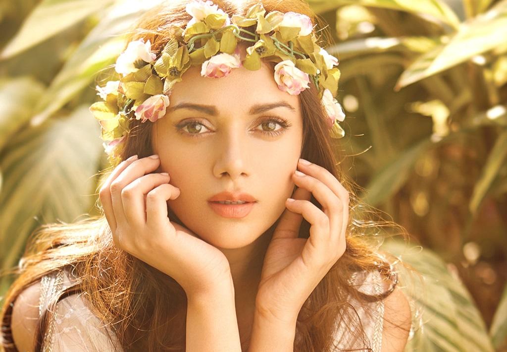 Aditi Rao Hydari Cute Love