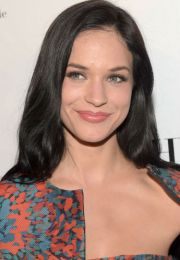 alexis knapp height age weight