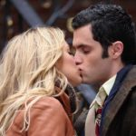 Blake Lively and Penn Badgley kissing