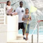Don Cheadle and his two doughter image.