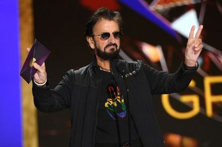 Ringo starr on 63rd Grammys (1)