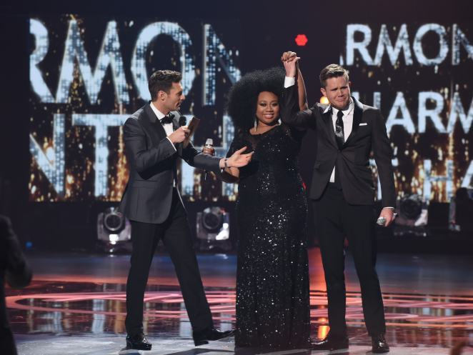 AMERICAN IDOL: Host Ryan Seacrest, Contestant La'Porsha Renae and Trent Harmon during the AMERICAN IDOL Finale airing Thursday, April 7 (8:00-10:06 PM ET Live/PT tape-delayed) on FOX. © 2016 FOX Broadcasting Co. Cr: Ray Mickshaw/FOX