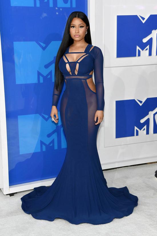 Nicki-Minaj-2016-MTV-Video-Music-Awards-Red-Carpet-Fashion-Bao-TRanchi-Tom-Lorenzo-Site-3