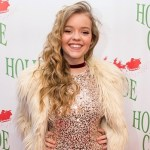 Jade Pettyjohn Shares Holiday Traditions at the 2016 Hollywood Christmas Parade
