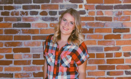 "Chelsea Gill Talks ""Tennessee Heat"" & Music at CMA Fest – Watch the Video!"