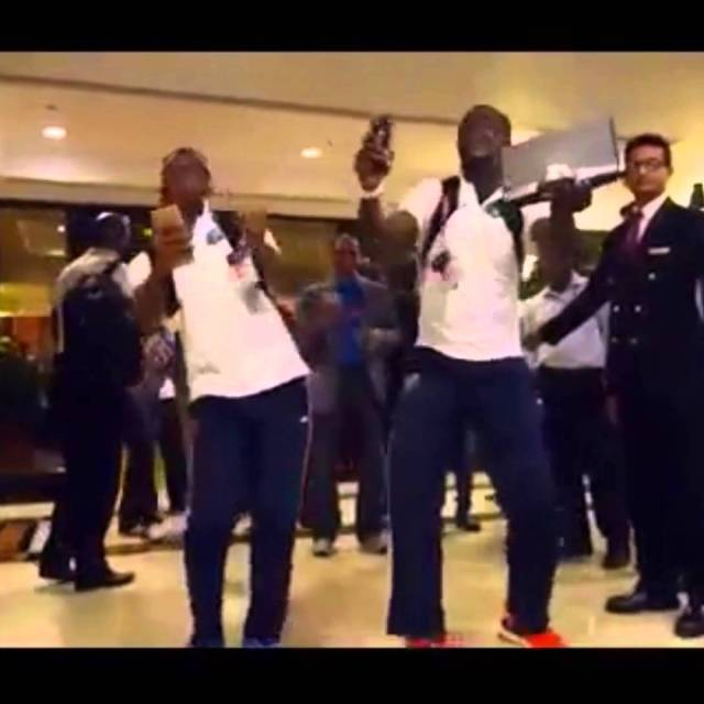 WestIndies Team dancing on Dj Bravo's song