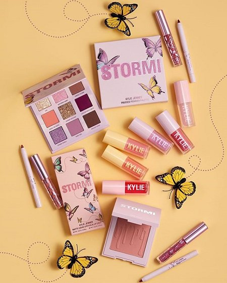 Products from Stormi Collection.